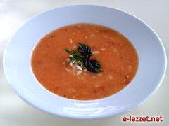 Domatesli Şehriye Çorbası